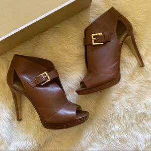 Michael Kors Leather Isabella Bootie in Luggage